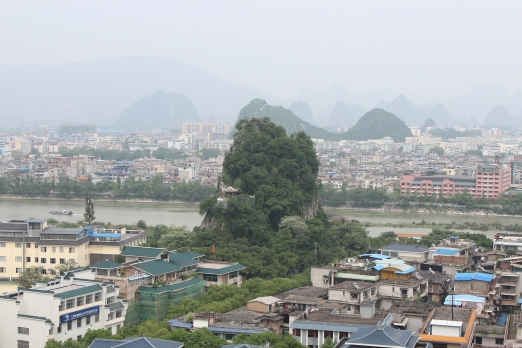 The scenery of Guilin is as unique as an honest politician