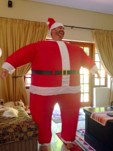 Inflatable-Santa-2_1024x1024