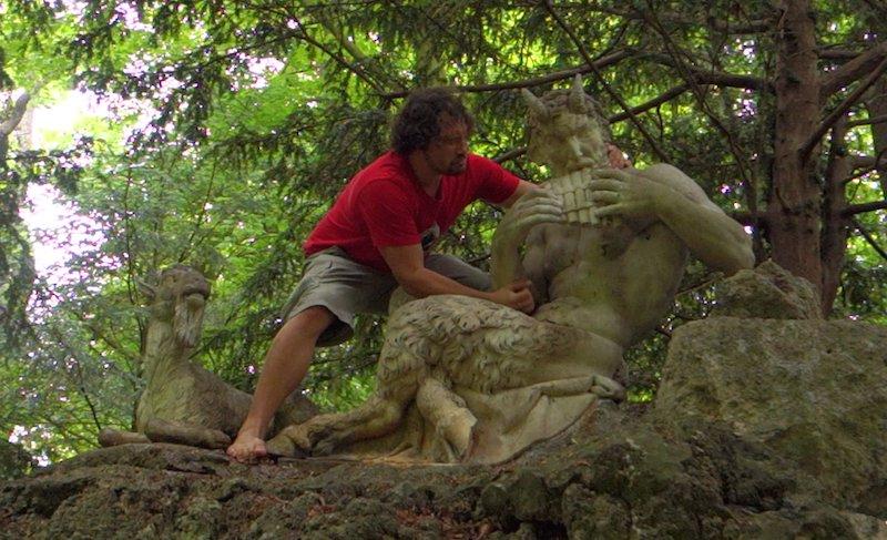 statue-tory rape